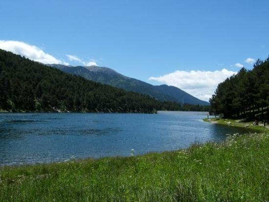 HIKING ROUTE: LLAC D'ENGOLASTERS